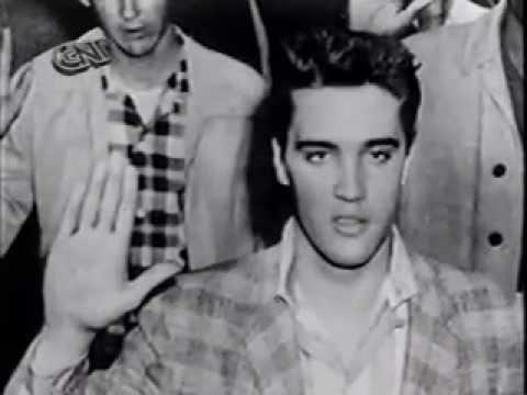 Soldado Elvis - Private Elvis