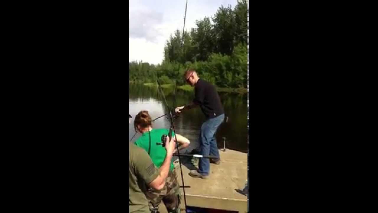 Joe Fish Alaska Yukon River Monster Northern Pike Fishing Omg Youtube