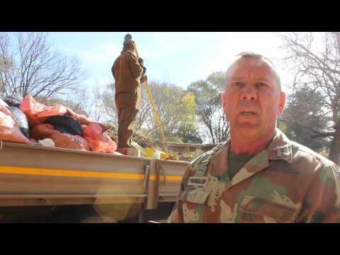 SANDF members help clean up Bloemfontein Zoo