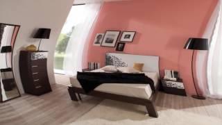 видео Как правильно поставить кровать в спальне относительно двери, сторонам света