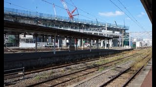 長崎新幹線の建設工事が進む長崎駅構内から見た新幹線高架軌道群