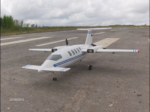 RC Piaggio P 180:  The built.   La contruccion.