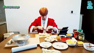 \x5bENG SUB\/INDO SUB\x5d 201225 SEVENTEEN DOKYEOM VLIVE - RESTAURANT OPEN (Cooking Pizza)