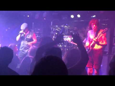 Livewire - Hard As A Rock (AC/DC cover) TROG Bar, Hull, June 2017