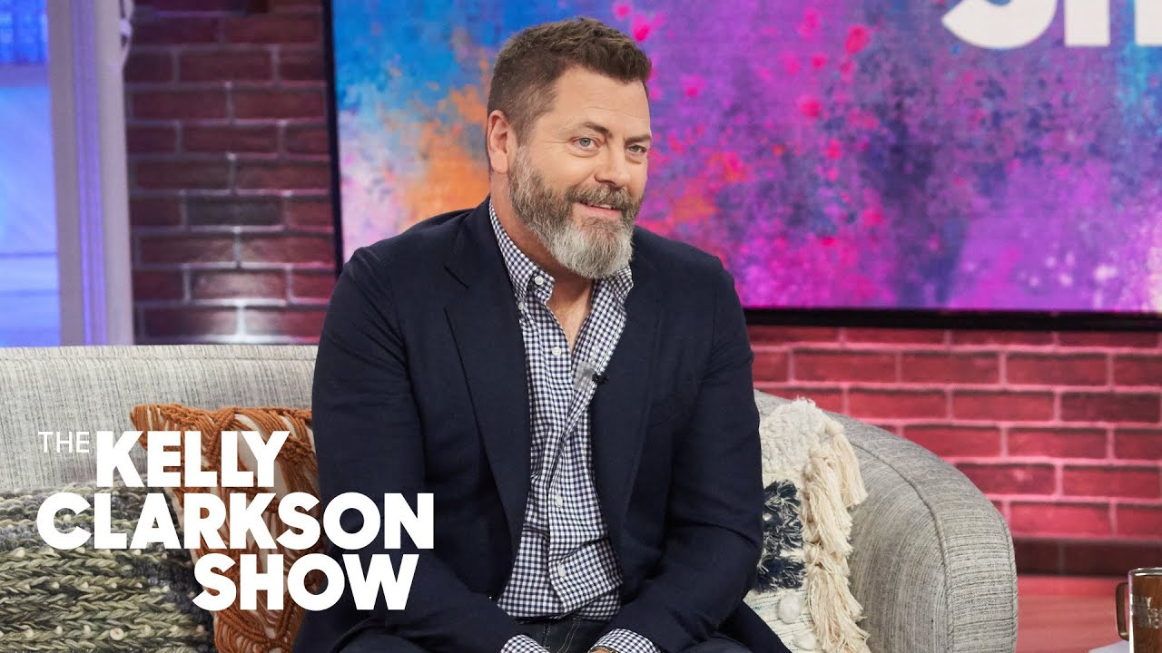 Kelly Embarrassingly Admits To Nick Offerman She Once Begged To Be On 'Parks And Recreation'