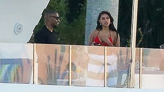 Jamie Foxx, 52, & Rumored GF Sela Vave, 21, Spend Luxurious New Year's Together On A Yacht — Pic