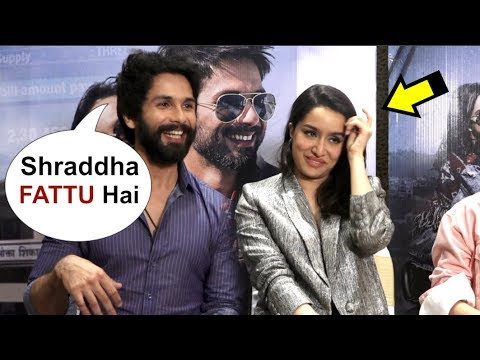 Shahid Kapoor Makes FUN Of Shraddha Kapoor In Front Of Reporter Mp3