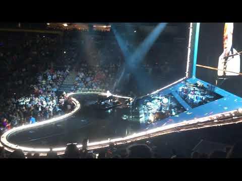 10102018  Elton John  EntranceBennie and the Jets