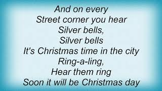 Watch Garth Brooks Silver Bells video
