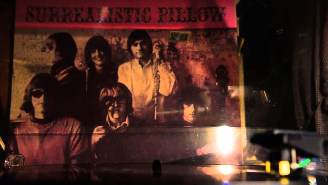 Risultati immagini per Surrealistic Pillow