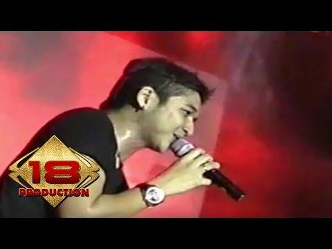 Ungu - Berikan Aku Cinta  (Live Konser Singkawang 5 Juli 2006)