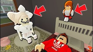 Annabelle Dolls wants to EAT Me Alive in my Sleep in Roblox!