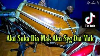 Download Aku Suka Dia Mak Aku Sayang Dia Mak Koplo Tiktok Viral COVER Kendang Rampak!!! Sedang - Sedang Saja