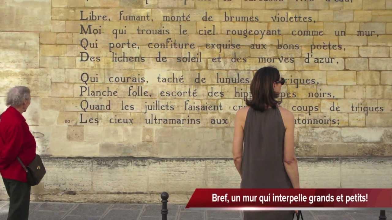 Un Poème Mural Le Bateau Ivre Darthur Rimbaud Sur Un Mur De Paris