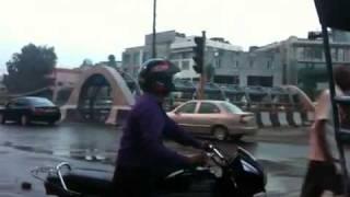 Projection de soudures (Du métro) directement sur les voitures New Delhi
