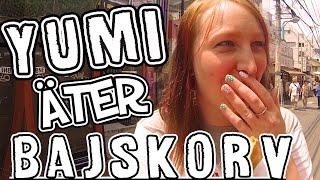 ♥ Yumi äter en bajskorv i Tokyo