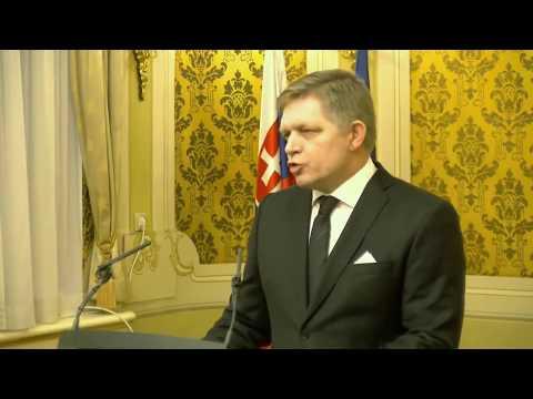 Naživo: Fico dáva vyhlásenie po stretnutí ústavných činiteľov