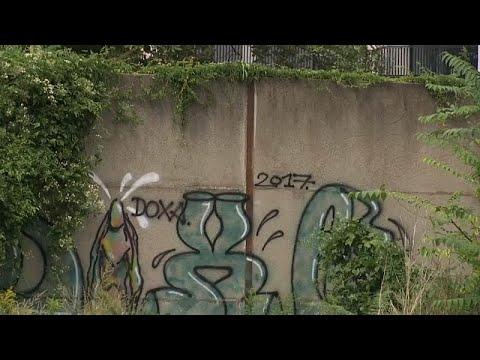 شاهد: اكتشاف قطعة صامدة من جدار برلين  - نشر قبل 2 ساعة