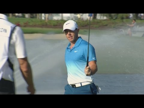 VIDEO: Rory McIlroy drains long eagle putt to tie British Open lead