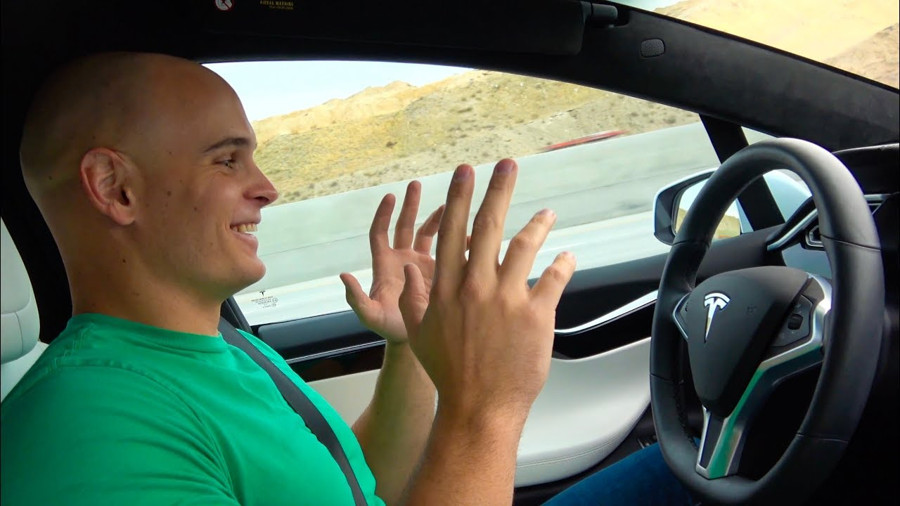 tech-youtuber-tries-tesla-autopilot-for-the-first-time