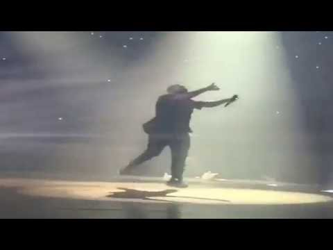 Drake Brings Out Eminem At His Detroit Concert (Summer Sixteen Tour)