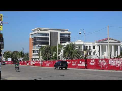 Haiti Port au Prince Place du champ de mars / Haiti Port au Prince Place du champ de mars
