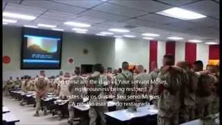 "Soldados Americanos Cantando ""Dias De Elias"" 'Days Of Elijah'"