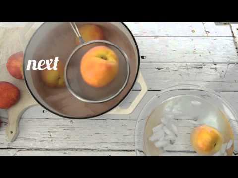 Как легко снять кожицу с персика