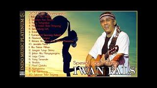Gambar cover IWAN FALS In Love - 20 Lagu Cinta Pilihan Terbaik Iwan Fals - HQ Audio !!!