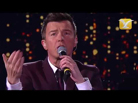 Rick Astley – Never Gonna Give You Up – Festival de Viña del Mar 2016 HD