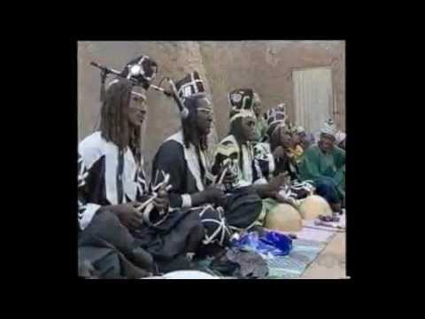 travel,discouvery,adventure and culture tour in Mali DANSE PEULH