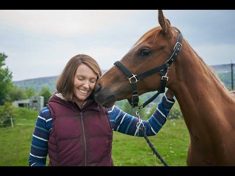 Dream Horse, con Toni Collette e Damian Lewis dal 1 luglio al cinema | Trailer ITA HD