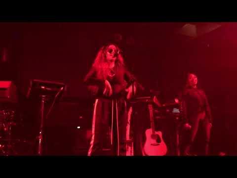 """H.E.R. - """"2"""" (Live) - Lights On Tour - Ft. Lauderdale - 12/02/17"""