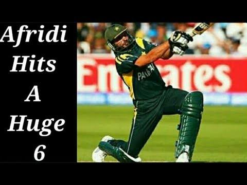 Shahid Afridi Hits A Big Six To Nathan Hauritz