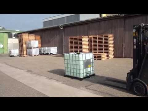 Safety Video: How to handle a product leakage from an IBC?