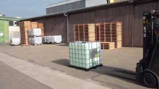 Safety Video: How to handle a product leakage from an IBC? thumbnail