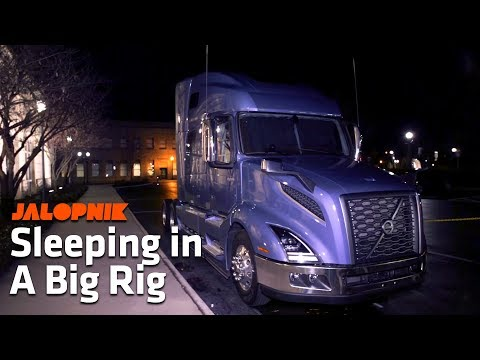 big-rig-sleeping-is-better-than-you-think-|-time-for-trucks-extra
