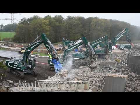 Liebherr R946 Excavator With Arden Equipment CU 031 Concrete Shear, Bonaria & Fils