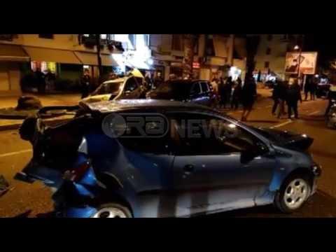 Ora News - Vlorë - Aksident i frikshëm, mjeti me shpejtësi merr përpara katër makina