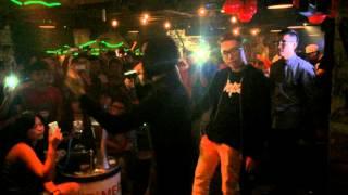 Wowy & Karik - Khu Tao Sống ( Live - Fancam )