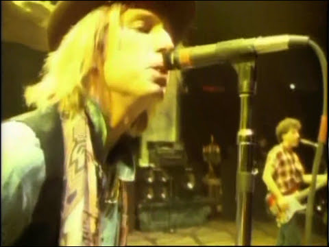 TOM PETTY & THE HEARTBREAKERS  Don´t Come Around Here No More  Take The Highway Live  1991