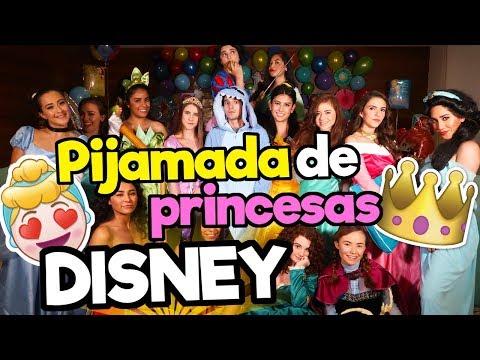 Pijamada de Princesas Disney / Memo Aponte
