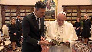 Pedro Sánchez se reúne durante cerca de 35 minutos con el Papa