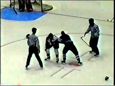 Luke Phillips #44 vs Chris Affinati #27 SPHL Nov 20/04