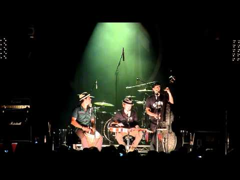 John Butler Trio - Thou Shalt Not Steal (Acoustic) - Horden Pavilion 3/9/2010