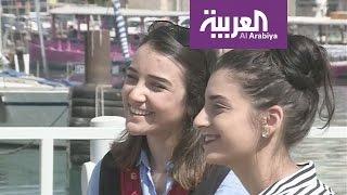 صباح العربية : فلسطينيتان من عكا تغنيا بالعربية الفصحى على انغام الجيتار