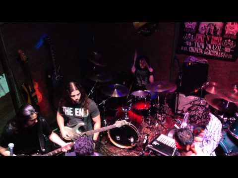 2012-03-29 - UK Brasil Pub - Gustavo Choairy na Batera - Foo Fighters (All My Life)