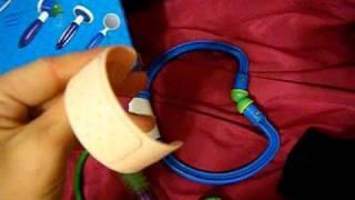 REVIEW: Little Doctor Kit(, 2010-07-26T02:56:02.000Z)