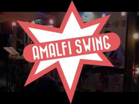 """""""Natz ma no a bodl"""" live von Amalfi Swing"""
