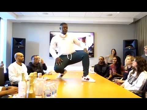 Memphis Rapper Blac Youngsta performs in front of staff at Epic Records in Los Angeles